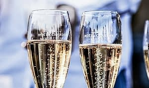 calories in glass of champagne